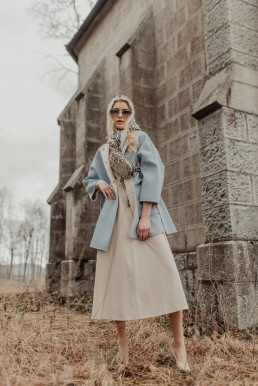 Glasses: Prada Coat: WeekendMaxMara Dress: MaxMara Bag: LIU.JO Scarf: LIU.JO